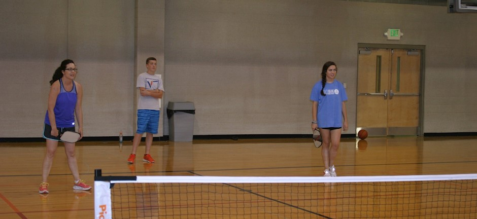 mother, daughter, and son playing pickleball in trussville alabama, alabama pickleball, trussville pickleball, birmingham pickleball